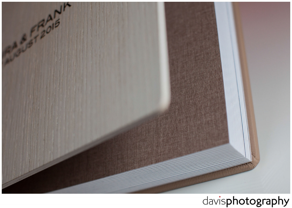Luxury lining in cappuccino coloured matte linen compliments and blends the interior, exterior and design box to complete the look of this exquisite wedding album.